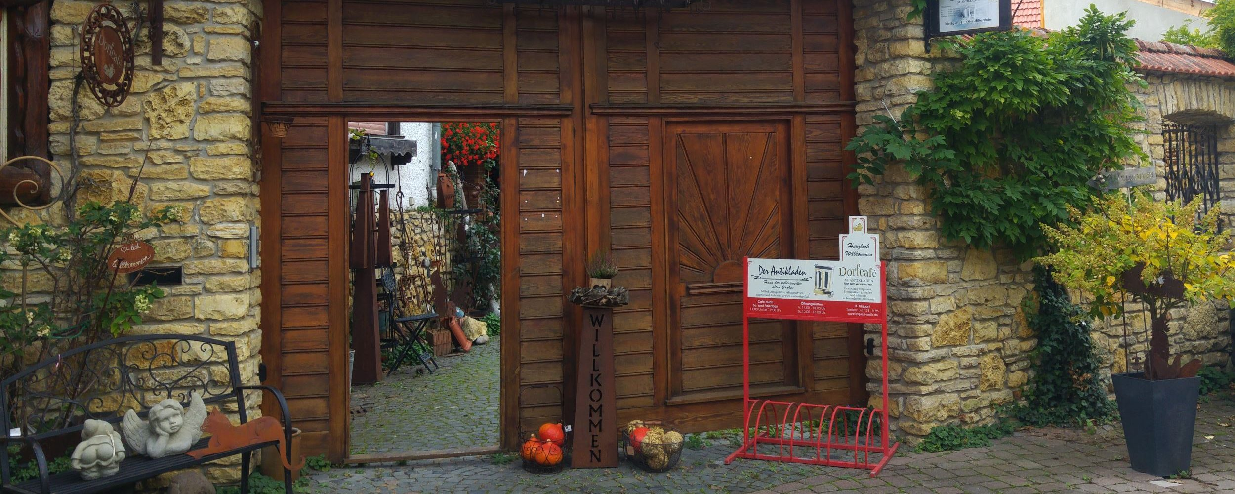 Triquart-Antik Eingangstor